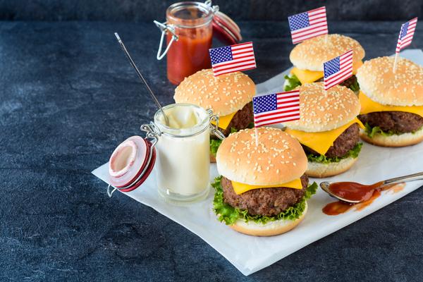 Mini Burger mit Amerika Flagge