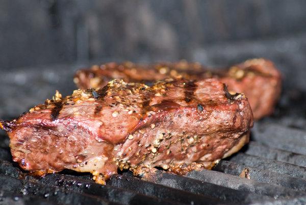 Fleisch mit Gewürzen